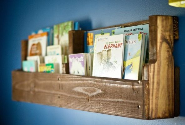 Upcycling Bookshelves Using Recycled Pallets