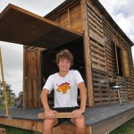 House Made from Reclaimed Wooden Pallets Stands up to Tropical Cyclone