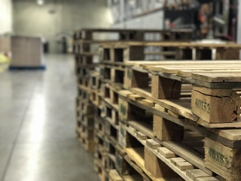Are You Nervous About Switching from New to Recycled Pallets?